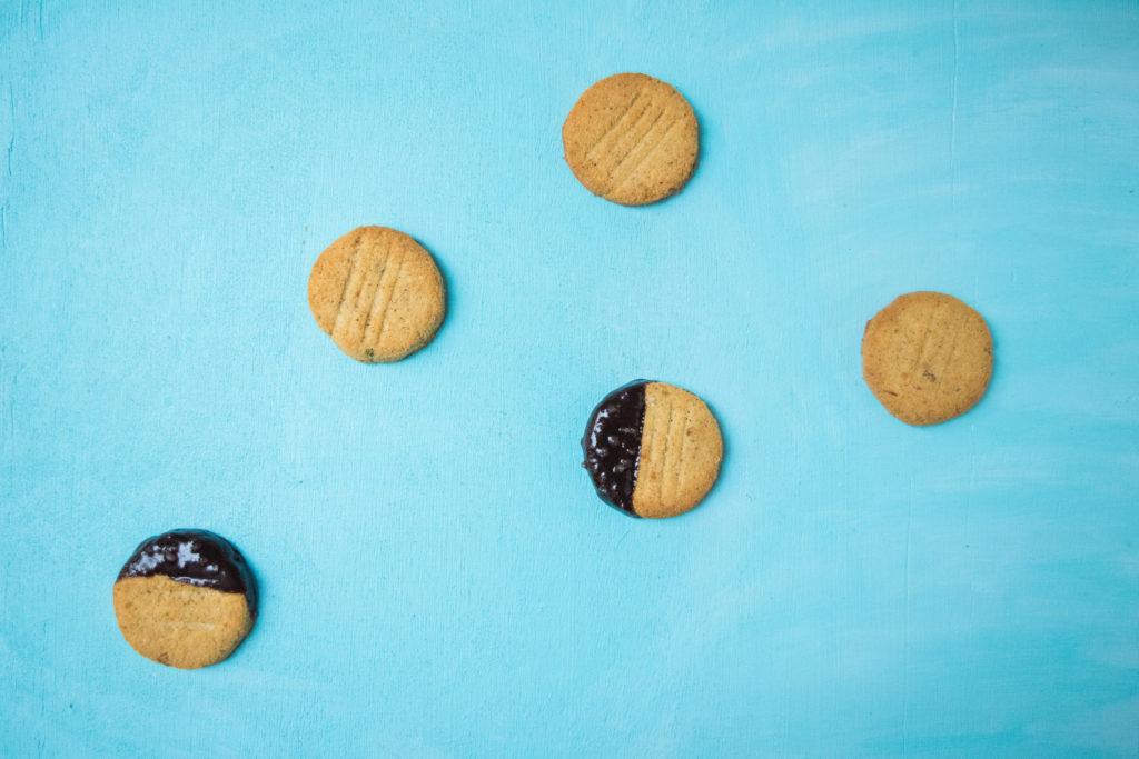 paleo coconut cookies